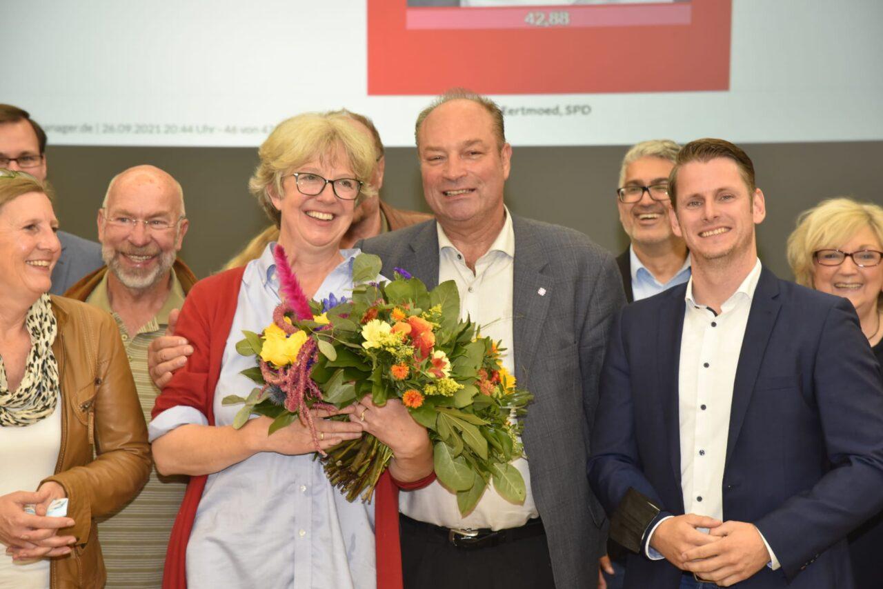 Herzliche Glückwünsche an Emily Weede: Seevetals neue Bürgermeisterin